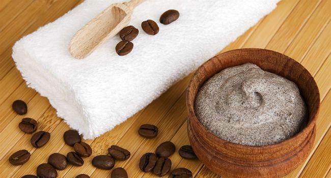 Truque da borra de café que acaba com a celulite: aprenda a fazer - Bolsa de Mulher