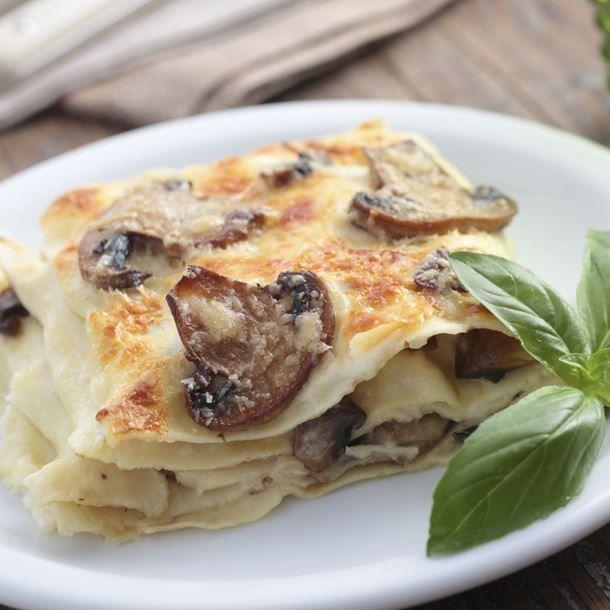 Lasagne aux champignons, tofu, sauce béchamel et soja