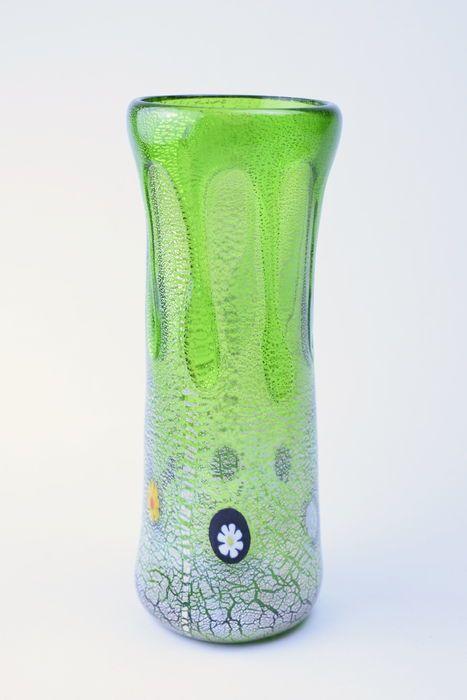 Zecchin - Monofiore Goccia (Droplet) Vase  Monofiore Goccia (druppel) vaasondertekend op de basis CC-ZecchinGarantiecertificaat inbegrepen.Uitstekende staat.Metingen:Lengte: 185 cmBreedte 7 cmGewicht 380 gram  EUR 2.00  Meer informatie