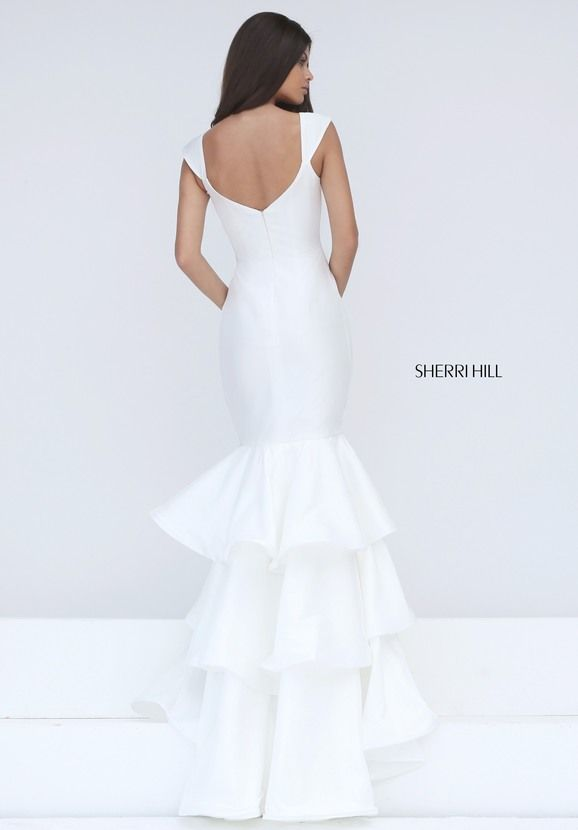 58 best White Hot images on Pinterest   Ball gowns, Prom dresses and ...