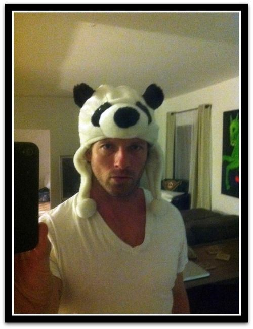 Ian Bohen's (Peter Hale) selfie with a Panda hat! :D