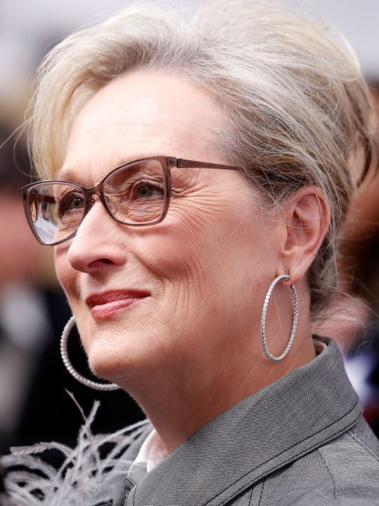 5e9f487ccca 15 Hairstyles for Women Over 50 With Glasses