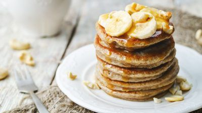 GLUTEN FREE PANCAKE using green banana flour (delicious, super healthy, full of fibre and doesn't taste like bananas!).