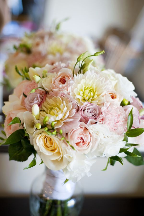 Soft and Lovely Wedding Bouquet| Photo: www.kalagophotography.com/