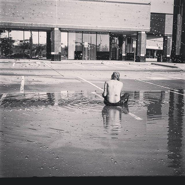 """Whatever struggle or hardship you're going through right now just remember someone always has it worse than you. Remain grateful and humble 🙏  #Houston #prayforhouston #hurricaneharvey #evacuate #shelter #Houstonflood #houstontexas #instagramhouston #pray  #blackandwhite  #houstonphotography #htown #htx #houstontexas  #igofhouston. #ighouston #igersofhouston #thisishouston #explorehouston #houstonvibes #photographysouls #photooftheday  #instapic #instacool #instagrammersgallery #smile…"