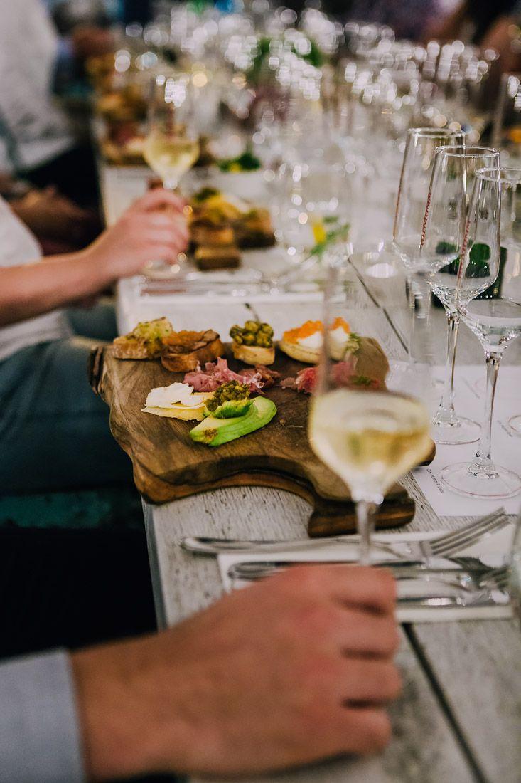 Najwiekszy Wybor Babelkow Z Calego Swiata Pyszne Dania Kuchni Polskiej I Europejskiej Oraz Niepowtarzalna Atmosfera Najlepsz Bubble Bars Restaurant Bar Food