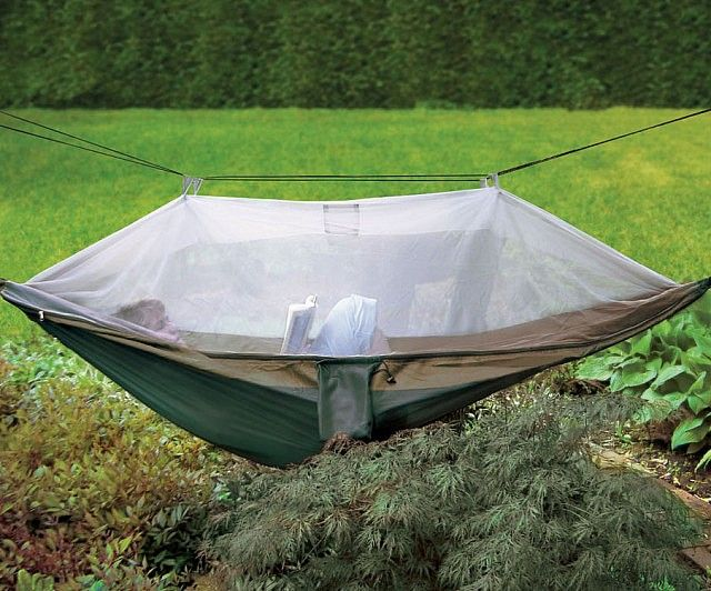 With the netted cocooon hammock you can hang out in your backyard or in the wilderness without having mosquitoes invade your quiet personal space. The netted hammock features a mesh canopy that lets fresh air breeze through while filtering out annoying insects.