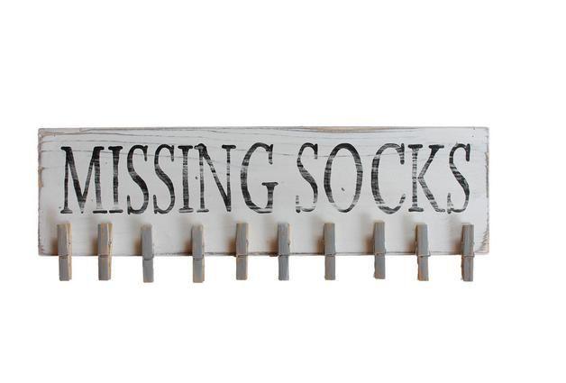 Wanddeko - Holzschild Missing Socks - ein Designerstück von Linda-Thom-Lillis-Handcraft bei DaWanda