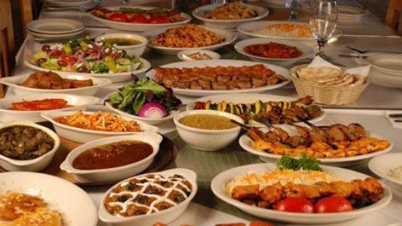 6 προτάσεις στην Αθήνα για γευστικά ταξίδια από τη Στοκχόλμη ως την Τεχεράνη