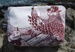Owl and Pussycat make up bag | approx 23cm width by 15cm depth, 100% printed cotton, lined in cotton. Zip across top | Price: NZ$32.00