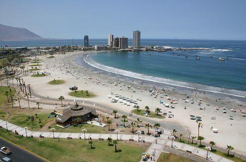 Iquique ,Zona Norte de Chile. Playa Cavanchas.