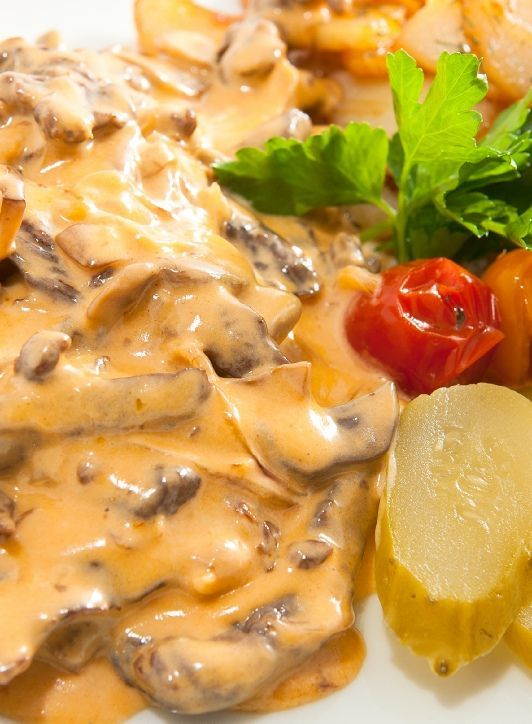 Low FODMAP Recipe and Gluten Free Recipe - Beef stroganoff with sautéed potatoes        http://www.ibssanoplus.com/beef_stroganoff_sauteed_potatoes.html