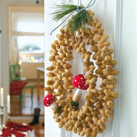 peanuts wreath