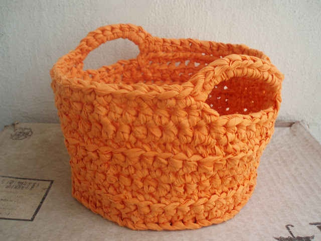 Crocheting In Spanish : ... Crochet Baskets su Pinterest Motivo gratuito, Trapillo e Crochet di