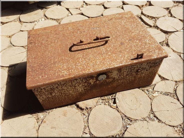 Pénzes láda - # Loft bútor # antik bútor#ipari stílusú bútor # Akác deszkák # Ágyásszegélyek # Bicikli beállók #Bútorok # Csiszolt akác oszlopok # Díszkutak # Fűrészbakok # Gyalult barkácsáru # Gyalult karók # Gyeprács # Hulladékgyűjtők # Információs tábla # Járólapok # Karámok # Karók # Kérgezett akác oszlopok, cölöpök, rönkök # Kerítések, kerítéselemek, akác # Kerítések, kerítéselemek, akác, rusztikus # Kerítések, kerítéselemek, fenyő # Kerítések, kerítéselemek, fém # Kerítések…