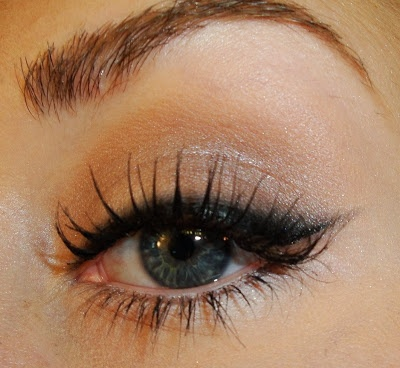 "TiffanyD: 50's Retro Makeup, ""Cat-Eye"" Liner Effect"