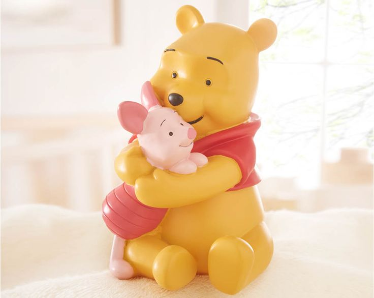 Winnie The Pooh Money Box £20  Winnie the Pooh and Piglet resin money box. Perfect for keeping your coins safe! Comes in a presentation box. H15 x W10 x D11cm  Code: 794627  Kleeneze KLife Home