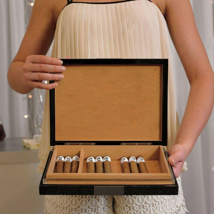 10 Awesome Groomsmen Gifts #Wedding