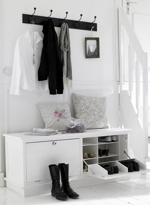 entry way..love the shoe storage
