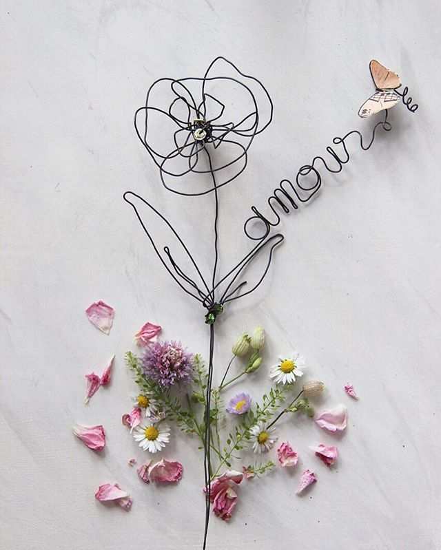 Wire flower Amour