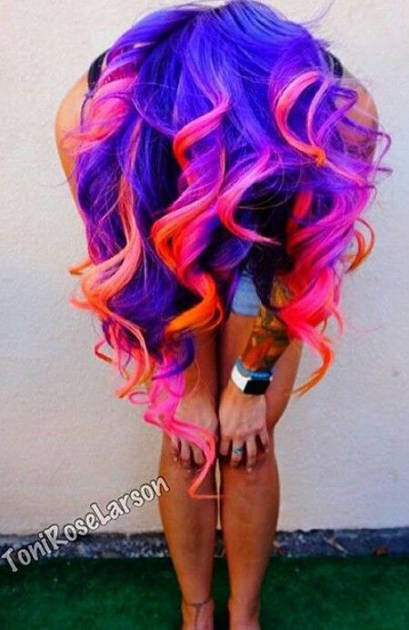 Purple pink red ombre dyed curly hair I can,t take it . I LOVE THIS !