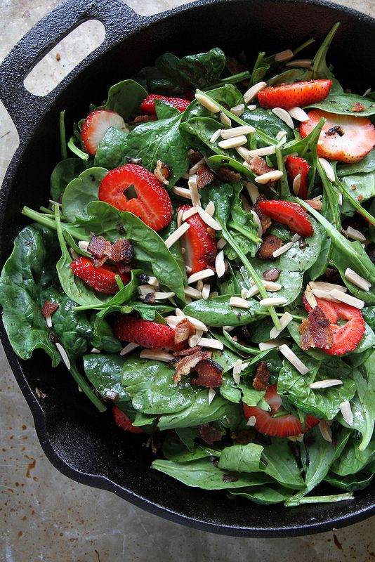 Hot Spinach and Strawberry Salad with Bacon and Balsamic Vinaigrette ...