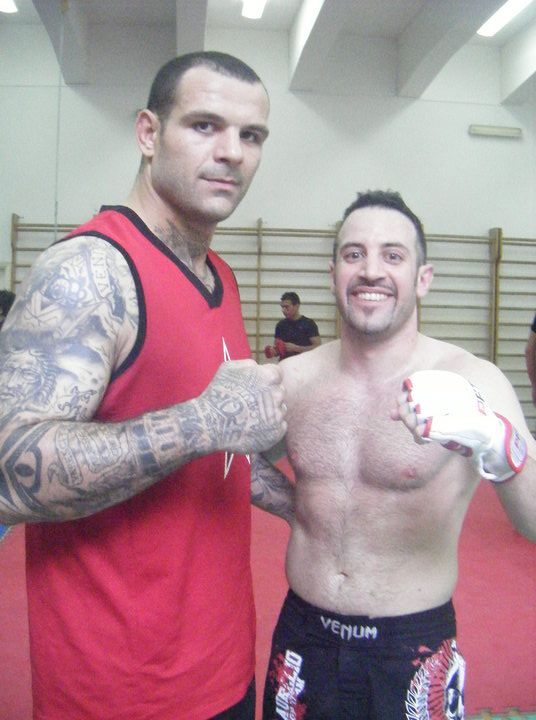"Training M.M.A. with Alessio ""LegiorariVs"" Sakara ,Catania 2009"