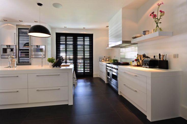 StyleShutters heeft inmiddels meer dan 20 jaar ervaring opgedaan met houten shutters voor binnen, vanaf het thuis adviseren tot en met de montage.