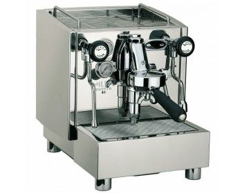 Alex Duetto III - dette er uten tvil blant den beste espressomaskinen du kan få fatt i for hjemmebruk.  Espressomaskinen har digital temperaturstyring, to kokere, fullmekanisk E-61 gruppe i solid messing, stillegående rotasjons-pumpe og 360 graders steam- og varmtvannsarmer for å nevne noen av funksjonene til Alex Duetto.  Alle koblinger og rør er i solid messing for bedre holdbarhet.
