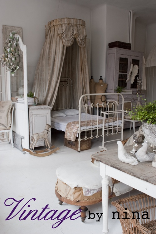 rooms shabby whites vintage bay nina white and vintage pinterest franz sischer. Black Bedroom Furniture Sets. Home Design Ideas