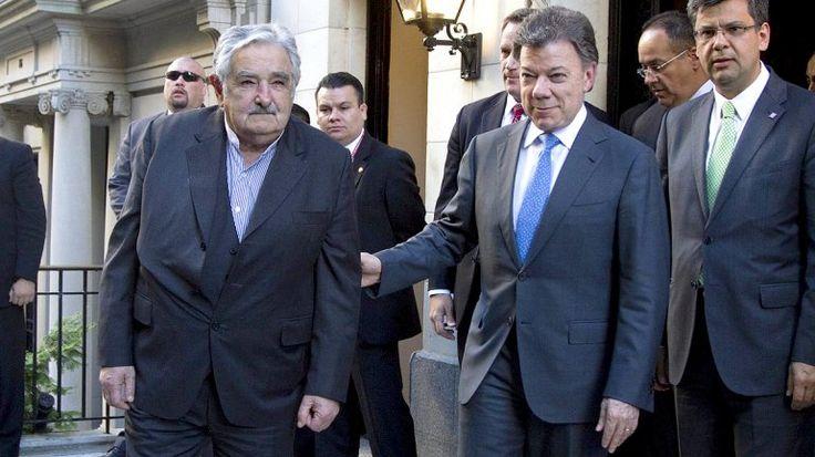 """Santos saludó los """"buenos oficios"""" de Mujica en el proceso de paz de Colombia con las FARC"""