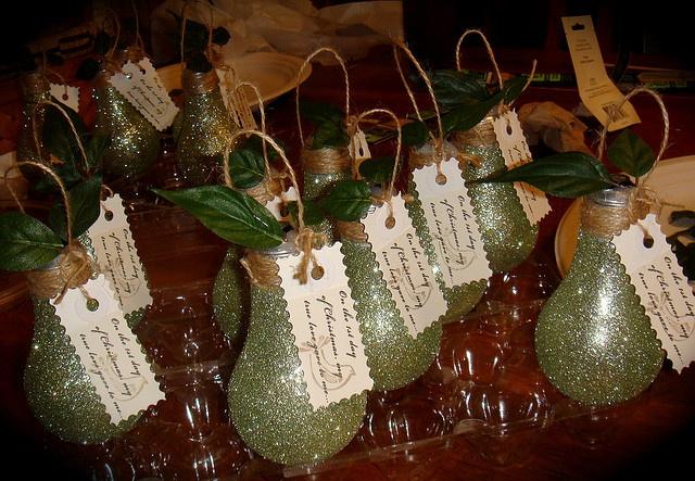 Recylced Light Bulb Ornament: Glittered Pear. Neat idea!