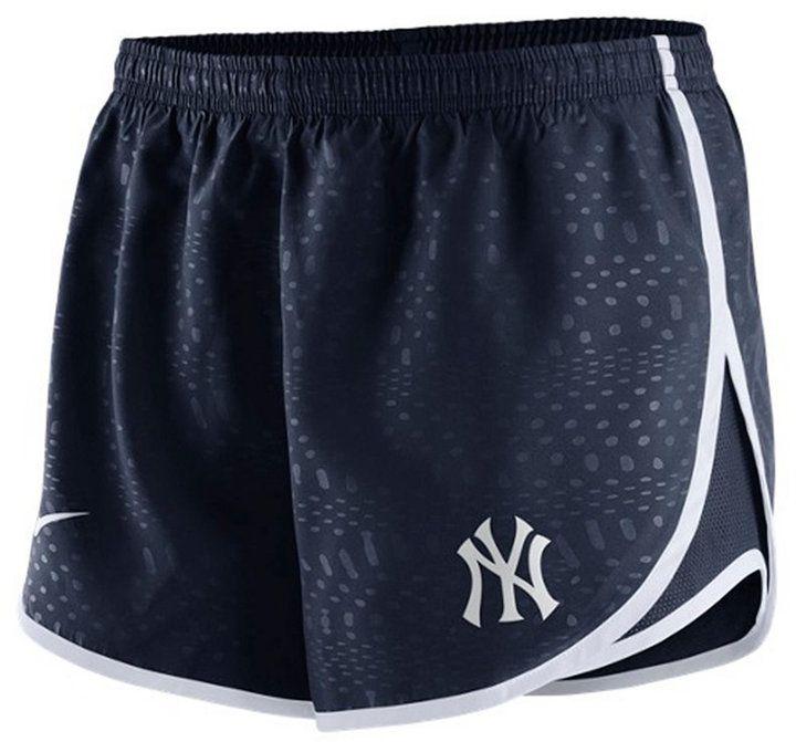 Nike Women's New York Yankees Modern Tempo Shorts