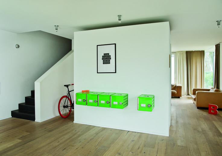 bordbar Cube as sideboard. Aivalable in 8 colors. Lockable. #bordbar #bythom #airlinetrolley #flugzeugtrolley #saftschubse #sideboard #karmelitermarkt #living #design #interiordesign #