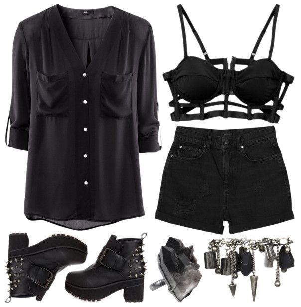sujetador encaje + blusa negra ligera + pitillos negros + botines tacon/hebillas