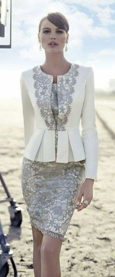 Elegante vestido Blanco y Gris
