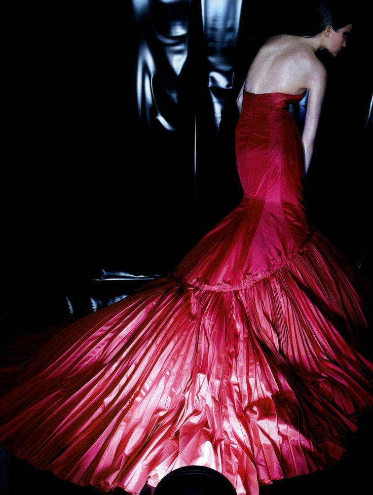 ♥ Romance of the Maiden ♥ couture gowns worthy of a fairytale - 'Una Rosa, Un Inverno': Cameron Russell inAlexander McQueen by Raymond Meier for Flair Italy