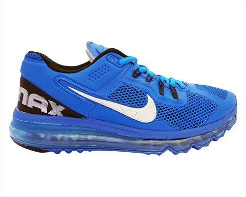 R$ 121,00 FRETE GRÁTIS! Tênis Nike Air Max 2013 Azul - Cabedal confeccionado em material sintético e mesh (tecido de tramas abertas que promove a ventilação interna). Conta com fechamento em cadarço e etiqueta interna. Traz o logotipo da marca nas laterais e no sola...