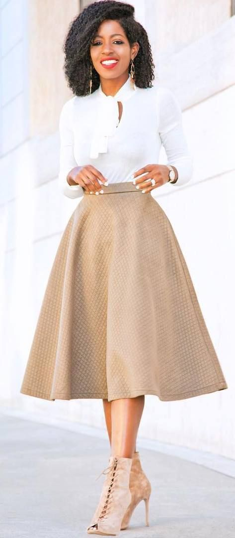 perfect outfit idea shirt + skirt  (skirt length is wonderful and it's spin-worthy :)