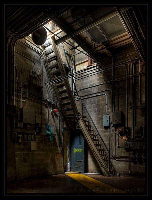 Abandoned Kemp's Ice Cream Plant - Matthew Christopher's Abandoned America