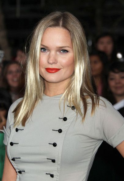 Sunny Mabrey Photos: Stars at the 'Breaking Dawn' Premiere