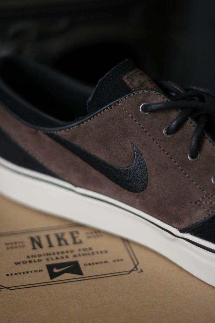 Offre magasin rabais Nike Portefeuilles Travestissement En Cuir Janoski vente SAST la sortie confortable HcDieR3tkD