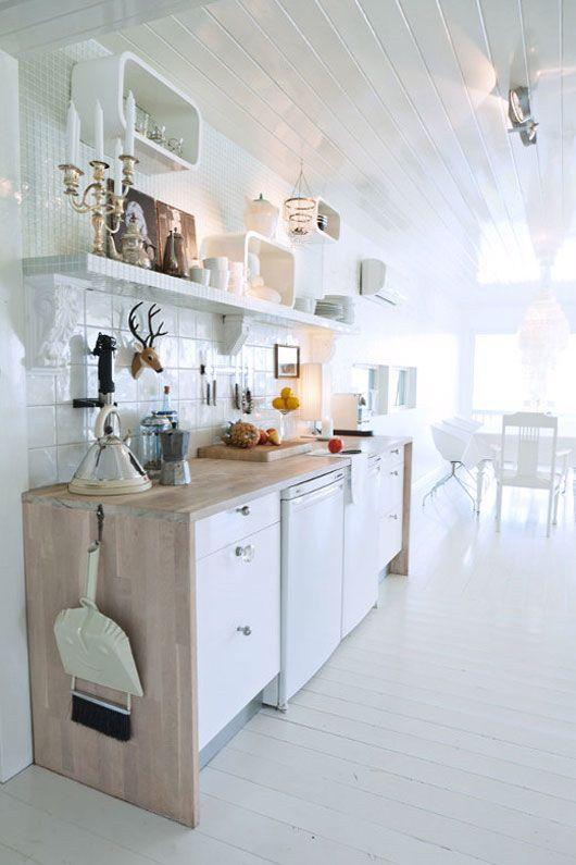 A modern touch in villa120. Zelliges