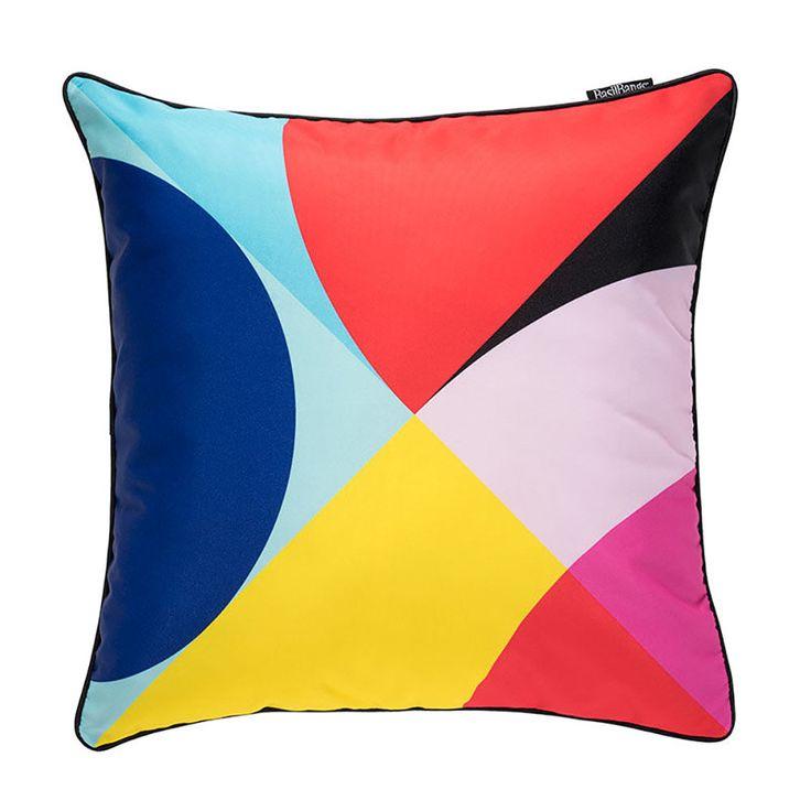 top3 by design - Basil Bangs - the modernist cushion 50x50