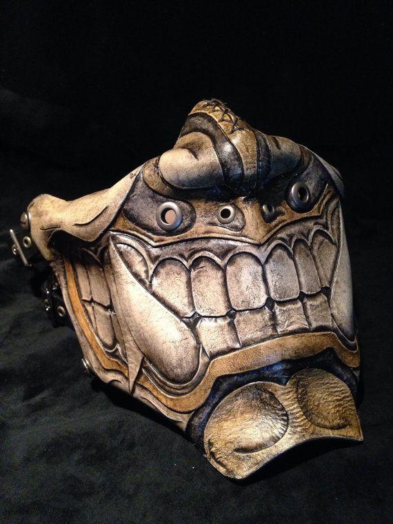 Media máscara de Oni kabuki de cuero por SkinzNhydez en Etsy