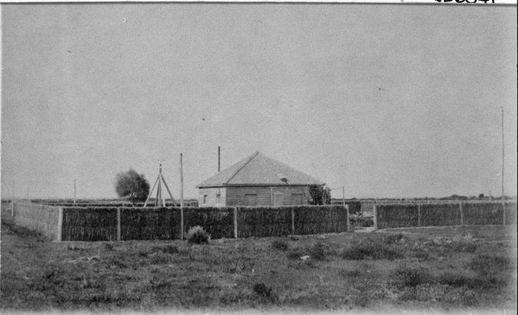 025604PD: Esperance Telegraph Station, ca 1880 http://encore.slwa.wa.gov.au/iii/encore/record/C__Rb3017022?lang=eng