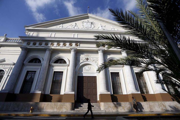 AN aprueba el inicio del juicio político al presidente Nicolás Maduro - http://www.notiexpresscolor.com/2016/10/26/an-aprueba-el-inicio-del-juicio-politico-al-presidente-nicolas-maduro/
