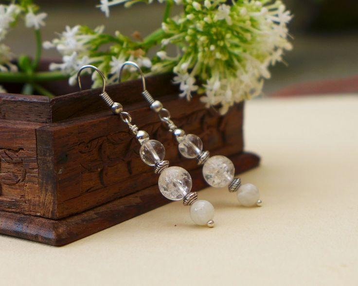 Boucles d'oreilles quartz cristallisé et perles de lune : Boucles d'oreille par verveine-citron
