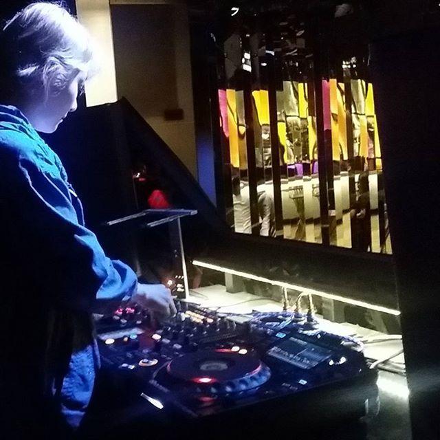 The #beautiful #fdj  Navi (@djnaviii) at #soundcheck at House Manila VIP club.. for tonight's #invasion party.. so all you party peeps in Manila.. you know where to be  #djnavi #koreandj #dj #deejay #djset #femaledj #music #lovemusic #djlife #edmfamily #rave #housemusic #edm #edmlifestyle #drumnbass #pioneerdj #beats #vibes #cdj #talent #hardwork #achieve #pretty