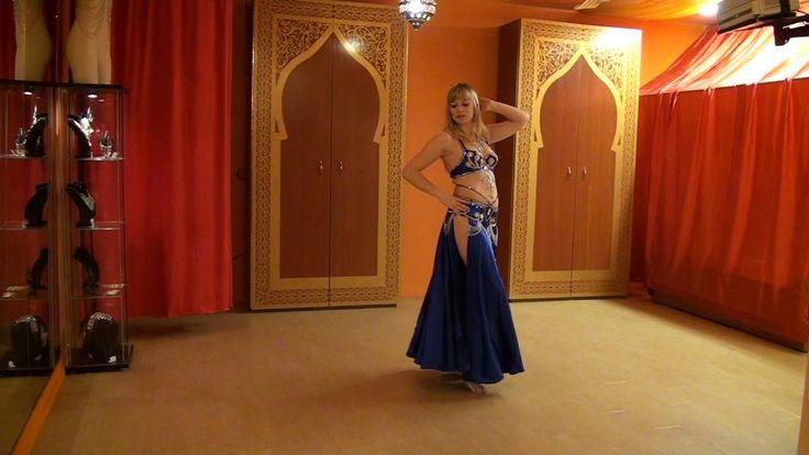 http://www.melaniebaladi.com - Chorégraphie tirée du cours pour débutante. Elle raconte l'histoire d'une femme qui fait son premier spectacle de danse orientale. Elle est timide d'être sur une scène. De plus, il y a un homme qui lui plaie beaucoup dans la première rangée. Elle finira par vaincre sa gène et se laisser transporter par l'énergie de la foule.  Chorégraphie : Mélanie Baladi Musique : Nebtidi Mnain El Hikaya - Mohamed Abdel Wahab